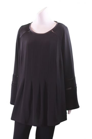 Q'Neel Black Plus Size Pleated Pullover Blouse 8287-8542