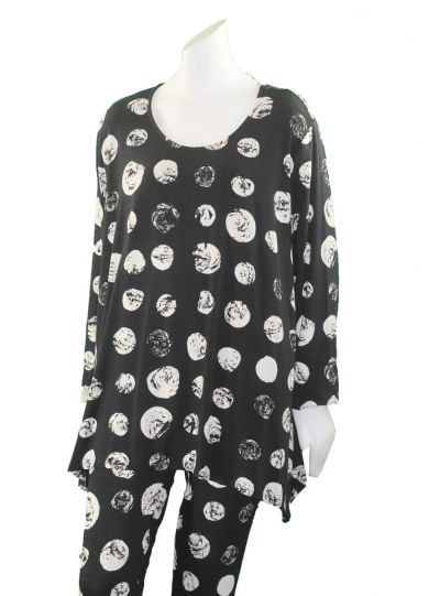 Chalet Plus Size Black/Cream Polka Dot Pullover Tunic XBT62400