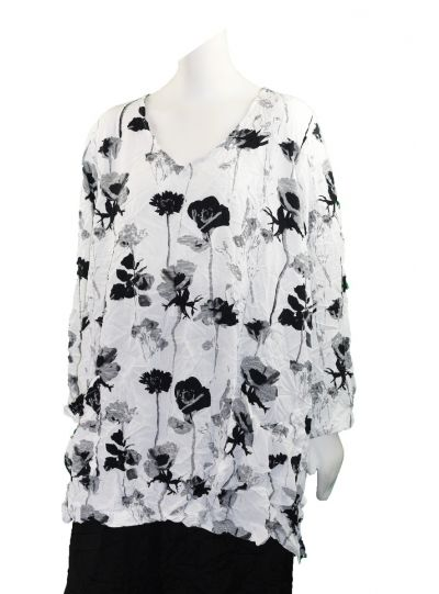 Comfy Plus Size Crinkle White/Black Flower 2 Pocket Top CD141