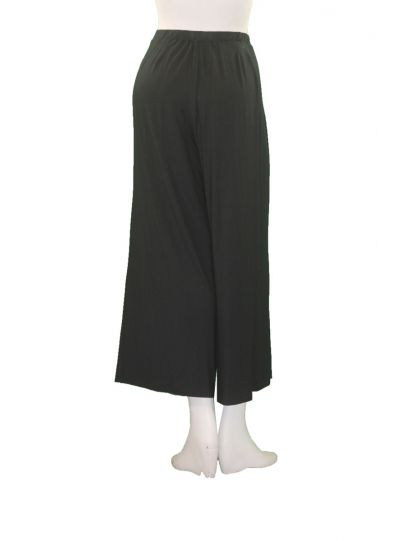 Comfy Plus Size Black Cropped Wide Leg Pant M917