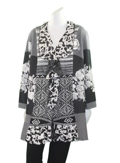 Lee Andersen Plus Size Black/White One Button Closure Sweater Finland