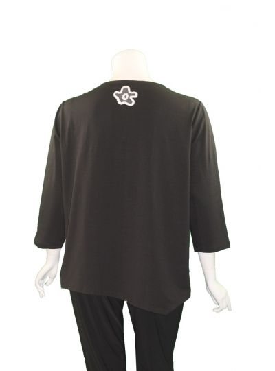 Redwood Court Plus Size Black Blossom Yarn Top T481CE