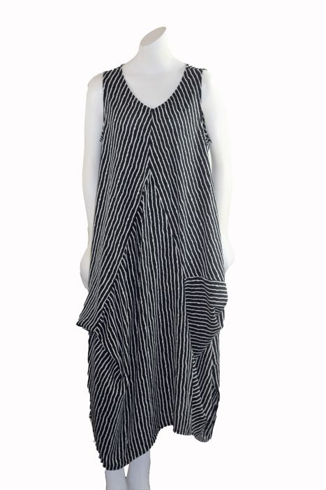 6be2be570e5c1 Yea Plus Size Black White Striped Pullover Dress Y2209